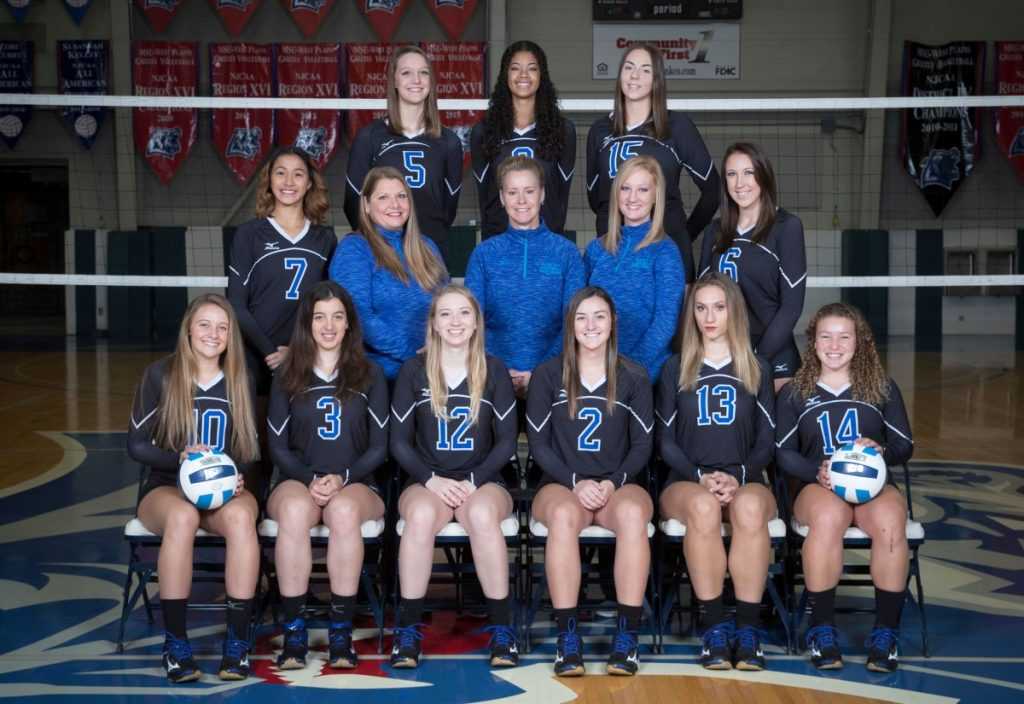 1718 Grizzly Volleyball Team
